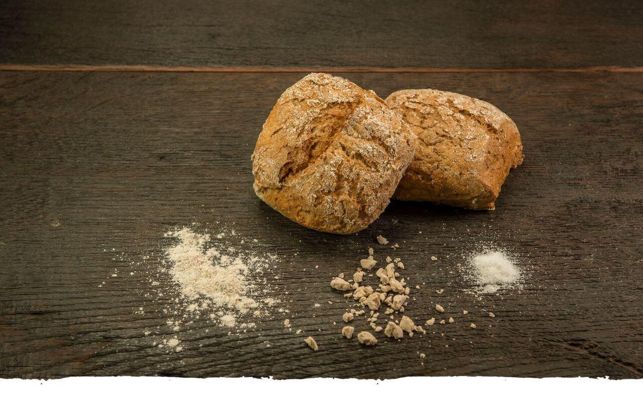 Weizenvollkornbrötchen von der Bäckerei Brinker